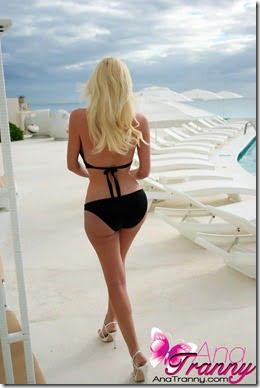 ana-tranny-bikini-ass-01